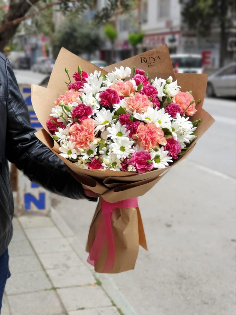 Rüya Cloves&Daisies Bouquet